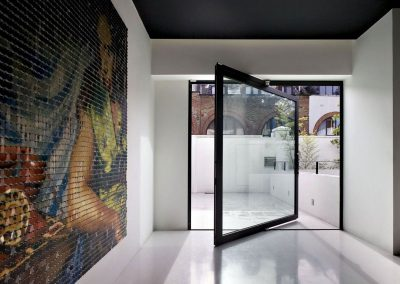 Pivot-glass-door