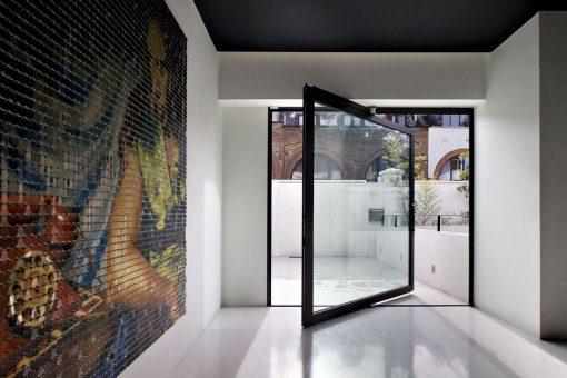 Pivot-glass-door