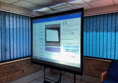 Rear-Projection-Glass-Projector-Screen
