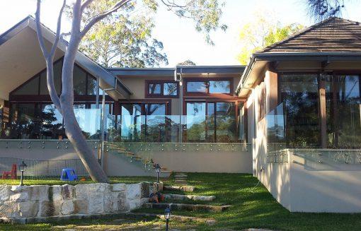 Solar-Reflective-Glass-House