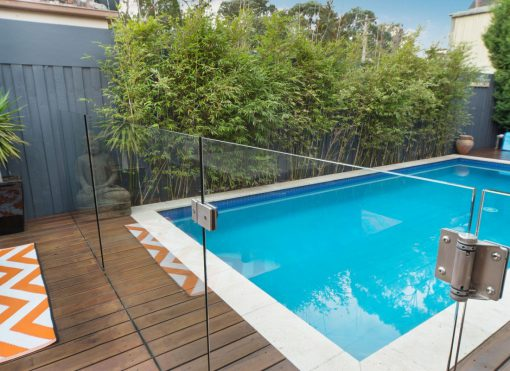 Tempered-Glass-Swimming-Pool-Fencing