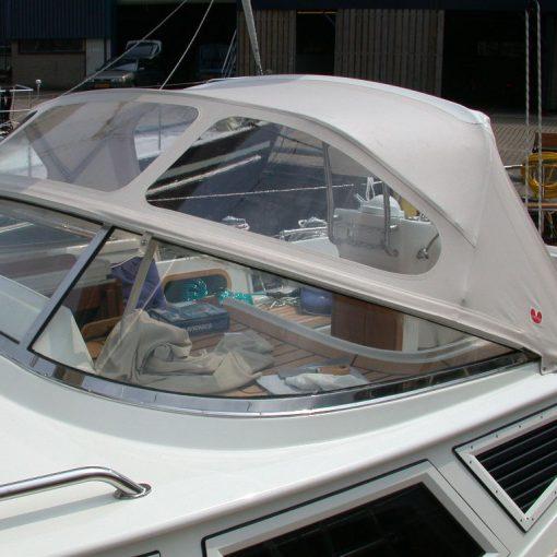 boat-windshield