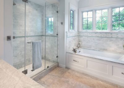 frameless-Shower-Doors-glass-closed