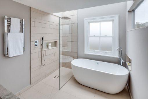 modern-shower-bathroom-glass-door