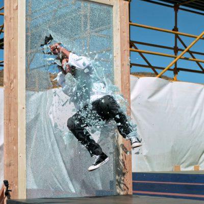 stunt-glassjump (1)